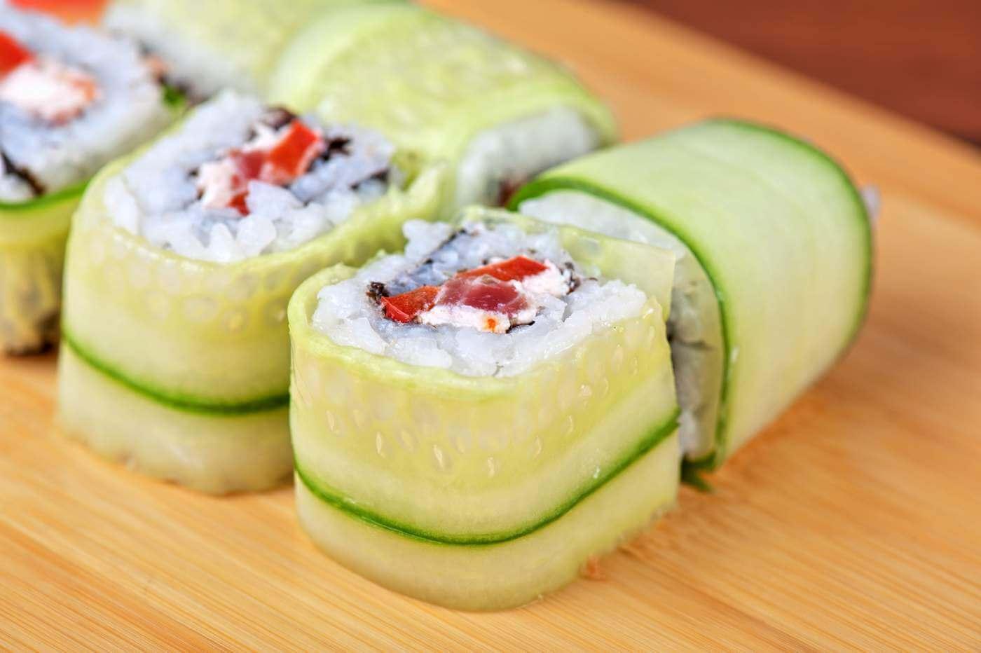 sushi selber machen rezepte und tipps f r zuhause. Black Bedroom Furniture Sets. Home Design Ideas