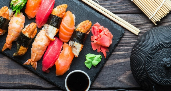 Sushi bei Starbucks, Aral & Tchibo sollen mehr Kunden locken
