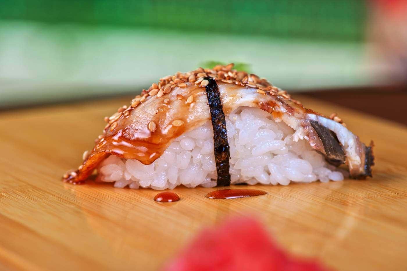 Unagi mit Sauce und geräuchtertem Aal