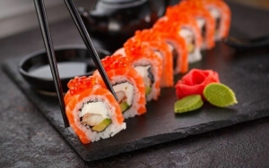 Sushi ohne Nori: Alternativen zum Algenblatt