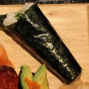 Temaki Sushi: Rezept mit Lachs, Gurke, Avocado - Sushi selber machen