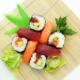 Sushi an Weihnachten servieren
